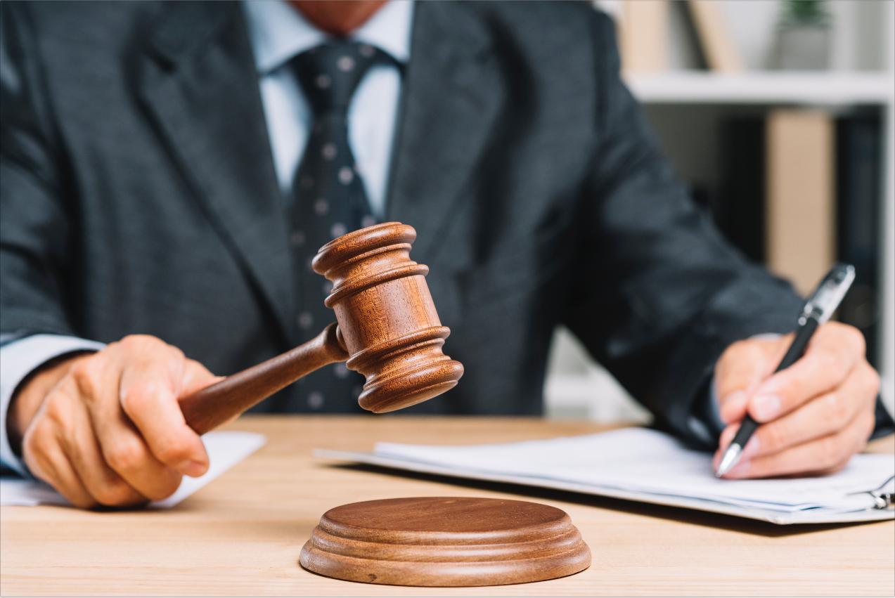 Corte Suprema de Justicia ratifica el reconocimiento de la pensión contemplando tiempos públicos y privados bajo el régimen de transición.